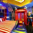 Não tem idade certa pra ter um quarto do Superman!