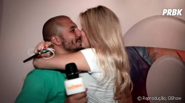 """Aline e Fernando, do """"BBB15"""", terminando quiz com beijo"""