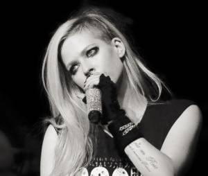 Avril Lavigne está disposta a voltar com tudo e cheia de projetos