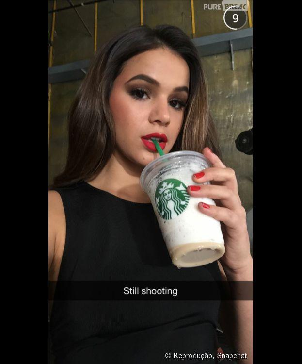 Fotos de famosos no Snapchat: Bruna Marquezine arrasa no app com fotos de tudo que acontece em sua rotina agitada