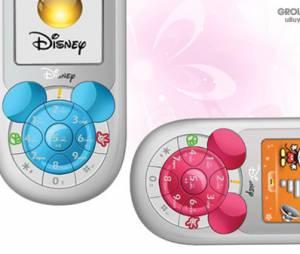 Já esse smartphone da Disney possui as orelhas do Mickey em seu teclado