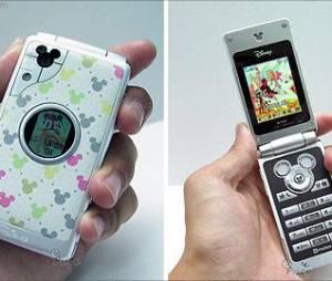 A galera do Japão é mesmo sortuda em ter smartphones com temas da Disney
