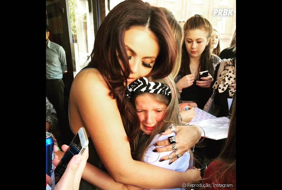 As meninas do Little Mix são super coladas com seus fãs
