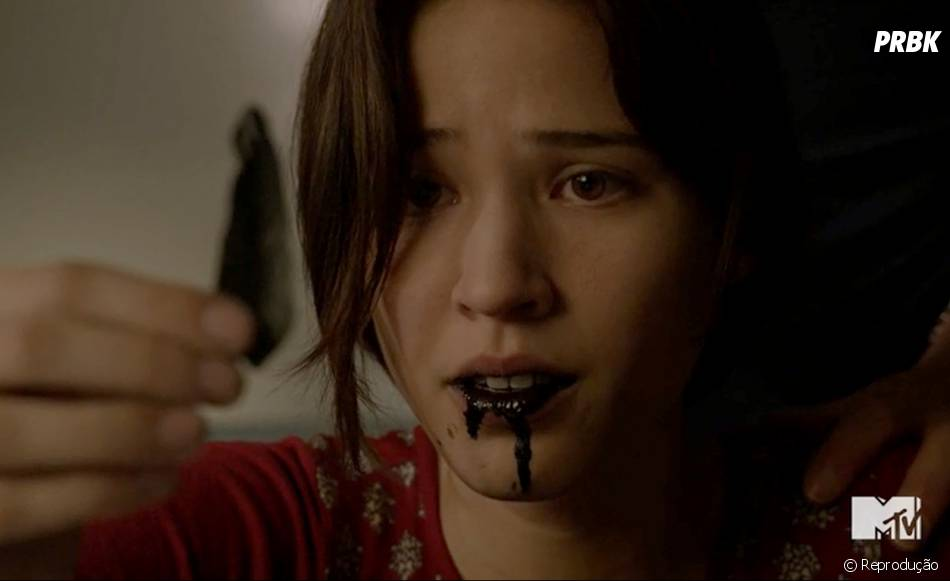 """Tracy (Kelsey Asbille) é um dos destaques da segunda parte da estreia da quinta temporada de com seus pesadelos estranhos em """"Teen Wolf"""""""