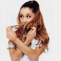 Ariana Grande é investigada pela polícia americana após beijos em dançarino em loja de donuts