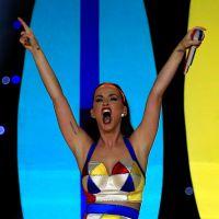 Katy Perry faz agradecimento fofo aos fãs pelos dois clipes com 1 bi de visualizações no Youtube