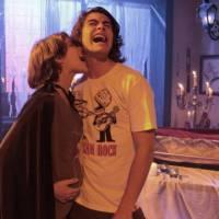 "Novela ""Malhação"": Karina (Isabella Santoni) aparece grávida de Pedro (Rafael Vitti)! OMG"