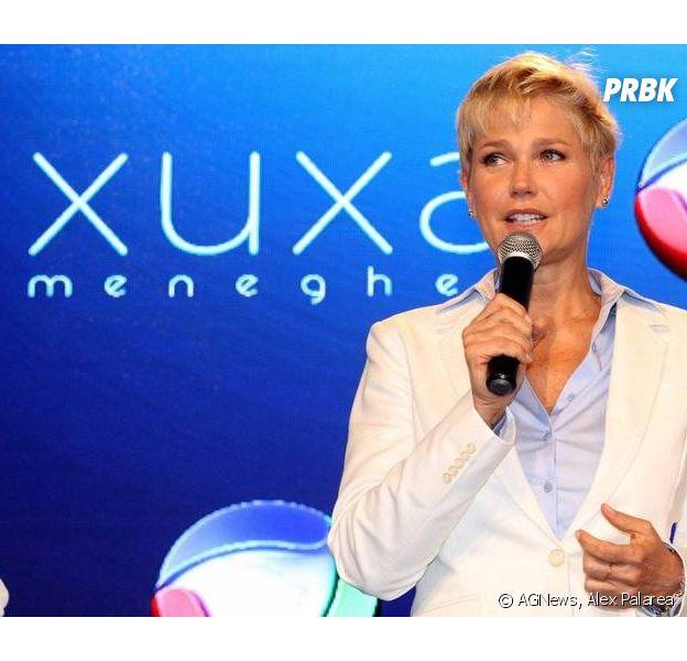 """Xuxa convida todo mundo para assistir o """"Programa Xuxa Meneghel"""" e acompanhou de perto as gravações de """"Os Dez Mandamentos"""""""