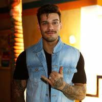 """Lucas Lucco abre o jogo e revela se já ficou com suas fãs: """"Um monte de vezes!"""""""