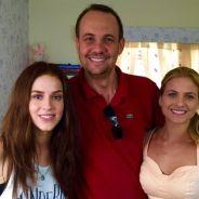 Sophia Abrahão, Luiza Valdetaro e diretor aparecem em foto de novo filme sobre o Rock in Rio. Veja!
