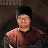"Ed Sheeran fala sobre roupas que vai usar na série ""The Bastard Executioner""!"