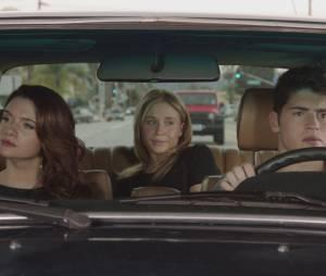 """Em """"Faking It"""", Karma (Katie Stevens), Amy (Rita Volk) e Liam (Gregg Sulkin) estão mentindo para si mesmos"""