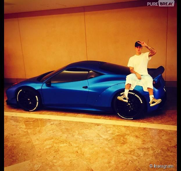 Justin Bieber com o seu carrinho de R$ 2 milhões!