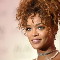 """Rihanna planeja comemoração especial dos 10 anos de """"Music of the Sun"""", seu álbum de estreia!"""