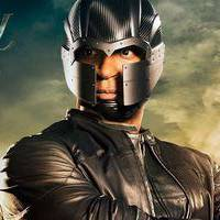 "Em ""Arrow"": na 4ª temporada, Diggle (David Ramsey) ganha novo uniforme!"