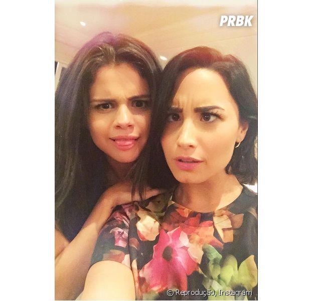 Demi Lovato publica foto ao lado de Selena Gomez e fãs enlouquecem!