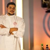 """Do """"MasterChef Brasil"""": Conheça mais sobre Raul Lemos, finalista do reality culinário da Band!"""