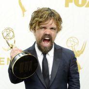 """Emmy Awards 2015: """"Game of Thrones"""" é o grande vencedor e Lady Gaga brilha no tapete vermelho!"""