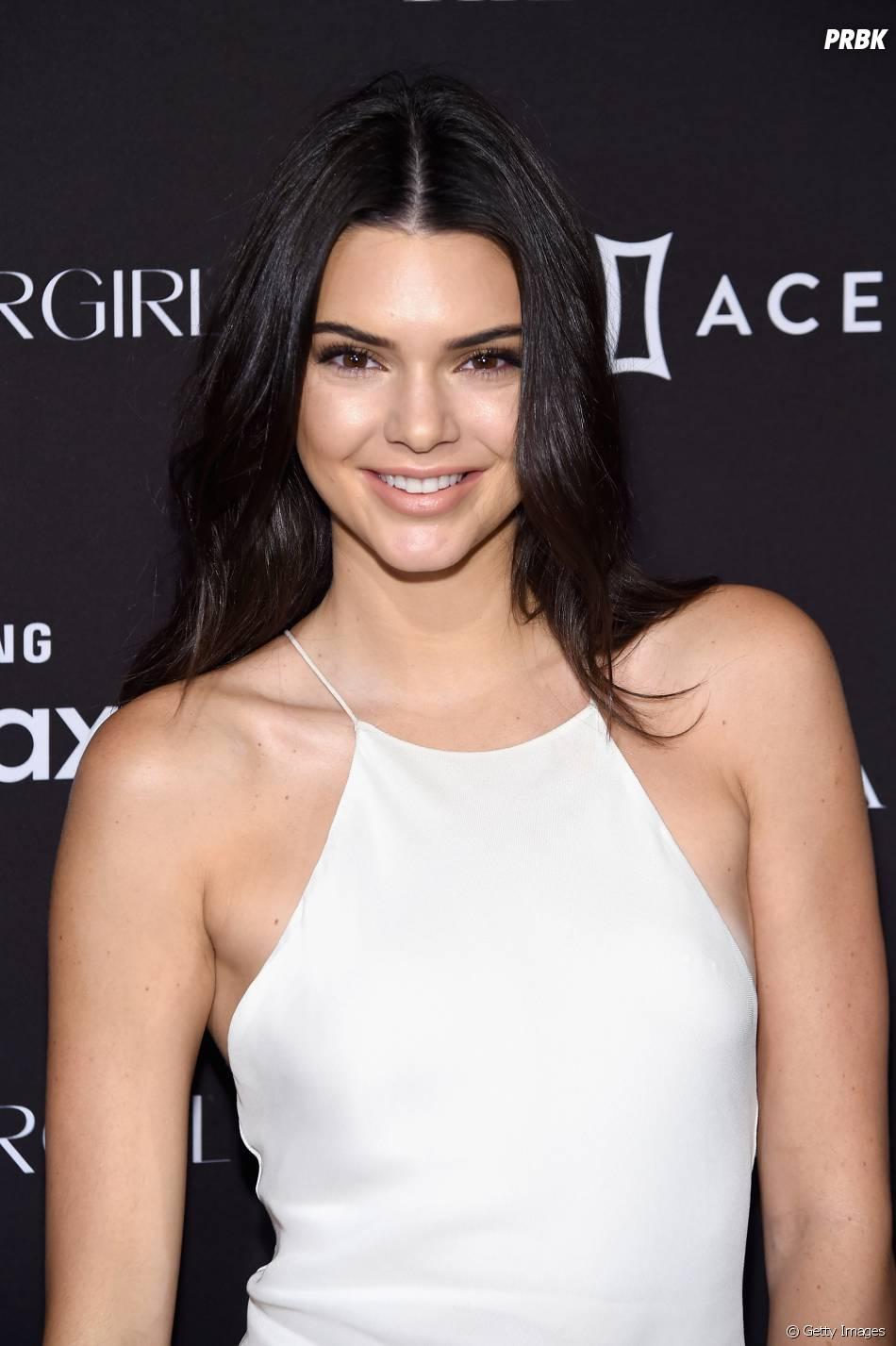 Kendall Jenner diz que furar o mamilo doeu