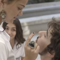 """Novela """"Malhação"""": Alina (Pâmela Tomé) fica com ciúmes ao ver Luan e Luciana juntos!"""