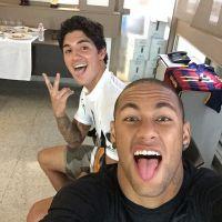 Neymar Jr e Gabriel Medina juntos? Dupla se junta em foto no Instagram e deixa os fãs curiosos!