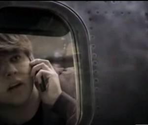 """Canal AMC, responsável por """"Fear The Walking Dead"""", divulga nova série com zumbis no avião!"""