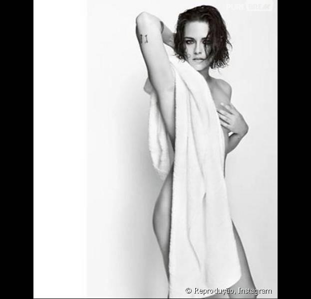 Kristen Stewart aparece nua em ensaio de toalha do fotógrafo Mario Testino