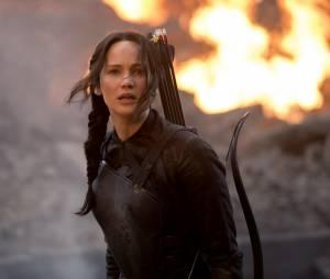 """Katniss (Jennifer Lawrence) ameaça o Presidente Snow (Donald Sutherland) em novo vídeo de """"Jogos Vorazes: A Esperança - O Final"""""""