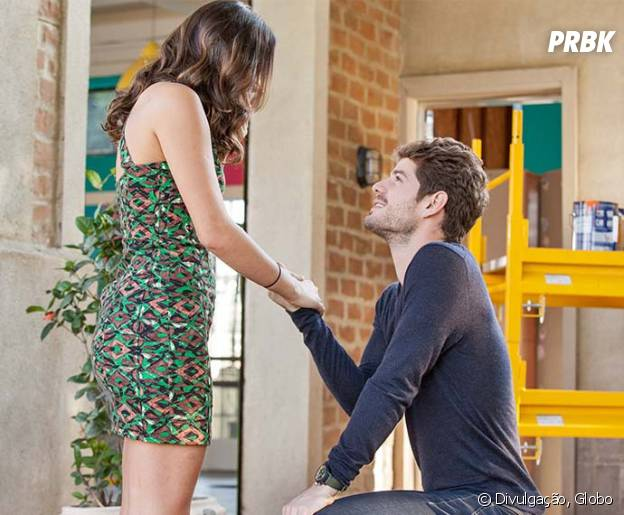 """Em """"I Love Paraisópolis"""", Ben (Maurício Destri) pede Mari (Bruna Marquezine) em casamento!"""