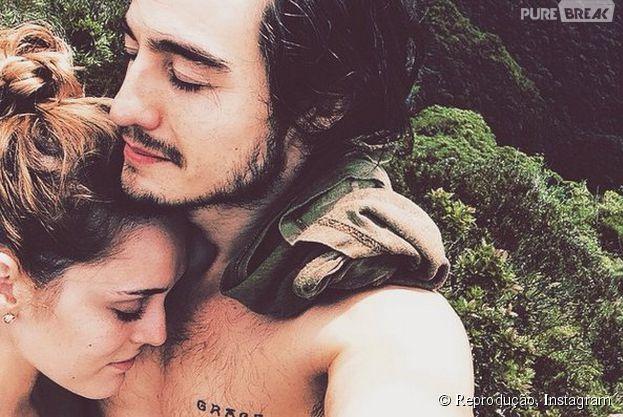 Isabelle Drummond deletou todas as fotos do namorado Tiago Iorc, de seu Instagram