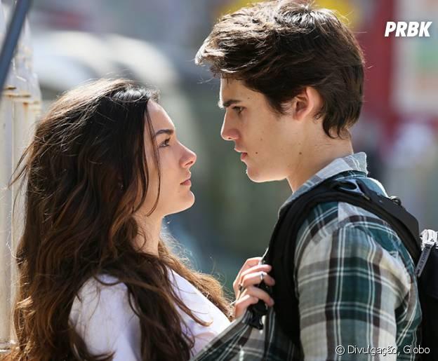 """Novela """"Malhação"""": Luciana (Marina Moschen) abre o jogo para Rodrigo (Nicolas Prattes) sobre acordo com Ciça (Julia Konrad)"""