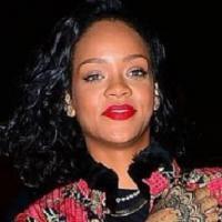 Rihanna já está no Brasil! Cantora desembarca no Rio e será capa de revista!