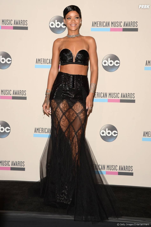Rihanna veio ao Brasil para fotografar a capa da edição de maio da Vogue brasileira
