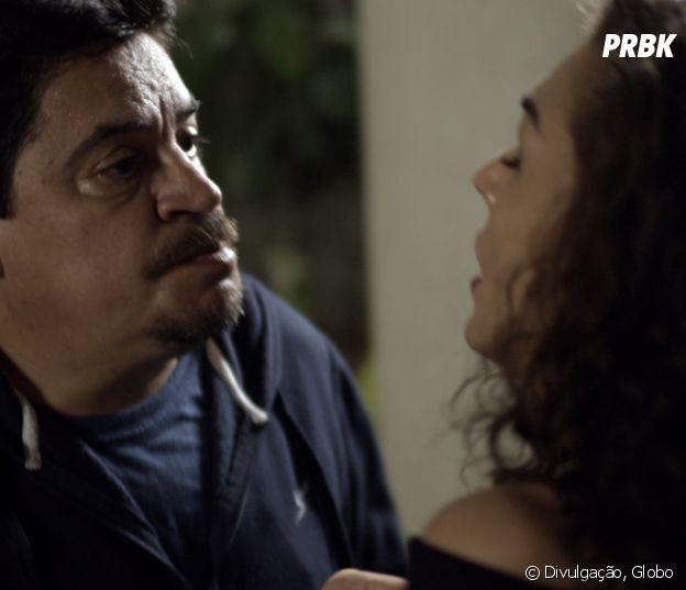 """Novela """"Malhação"""": Ciça (Julia Konrad) é abordada por bandidos e é assaltada!"""