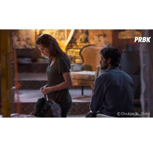 """Em """"Totalmente Demais"""", Eliza (Marina Ruy Barbosa) e Jonatas (Felipe Simas) brigam por causa de Arthur (Fábio Assunção)"""