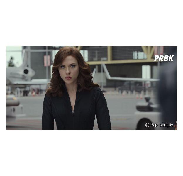 """Viúva Negra (Scarlett Johansson) aparece com as madeixas mais compridas em""""Capitão América 3: Guerra Civil"""" (2016)"""