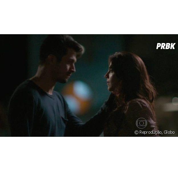 """Em """"Além do Tempo"""", Anita (Letícia Persiles) decide ter filho com Roberto (Rômulo Estrela)!"""