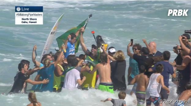 Adriano de Souza é o mais novo campeão mundial de surf