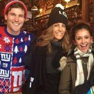 Nina Dobrev entra em clima de Natal com o namorado Austin Stowell, amigos e família! Veja fotos