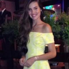 """Camila Queiroz, de """"Eta Mundo Bom"""", revela simpatias e surperstições para o Ano Novo"""