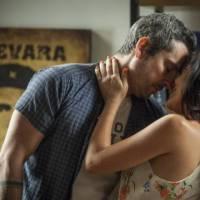 """Novela """"A Regra do Jogo"""": Romero (Alexandre Nero) tenta largar facção e descobre que vai ser pai!"""