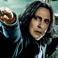 """Alan Rickman, o Snape de """"Harry Potter"""", morre aos 69 anos. Veja 7 motivos para sentir saudades!"""