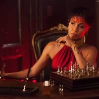 """Em """"Gotham"""": na 2ª temporada, Fish Mooney pode não ter morrido! Personagem volta ainda nessa fase"""