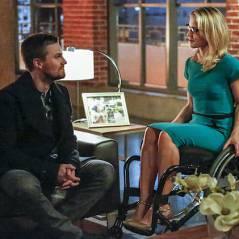 """Em """"Arrow"""": na 4ª temporada, Oliver sofre ameaça de Malcolm e tenta salvar Felicity e William!"""