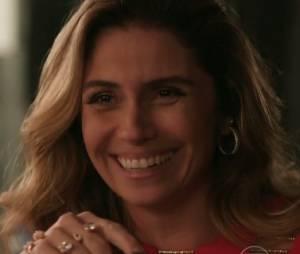 """Em """"A Regra do Jogo"""", Atena (Giovanna Antonelli) ganha a confiança de Gibson (José de Abreu) e cresce na facção!"""