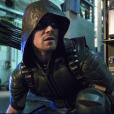 """Em """"Arrow"""", Oliver (Stephen Amell) corre contra o tempo para salvar seu filho das mãos de Darhk!"""