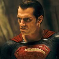 """De """"Batman Vs Superman"""": Henry Cavill, Ben Affleck e mais em novos vídeos de bastidores. Assista!"""
