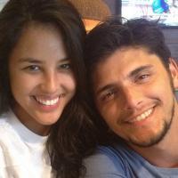 """Bruno Gissoni elogia namoro com Yanna Lavigne, atriz de """"Além do Horizonte"""""""