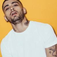 Zayn Malik, ex-One Direction, lança 1º CD solo, clipe surpresa e alcança #1 do iTunes em 71 países