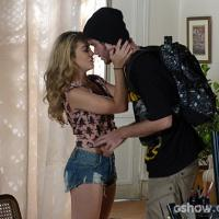 """Em """"Malhação"""": Sidney tira Sofia da cabeça e tem primeira noite de amor com Meg!"""